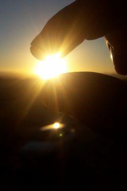 بلاخره خورشید با دستام لمس کردم .ما رو در اینستا دنبال کنید @jfrymhdy66