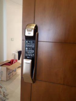 http://samsunglock.support نصب قفل دیجیتال SAMSUNG SHP-DP920 قفل دیجیتال سامسونگ، پرفروش ترین قفل دیجیتال در جهان تلفن تماس : 88202562-09380941346 SAMSUNG SHP-DP920 Digital Lock Installing TEL:+9888202562-+989380941346