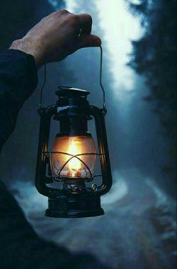غم هاخسته ترازآنندکه بخواهیم باآنهابجنگیم...آنهاارزش جنگیدن ندارند.باکمترین بی توجهی ازپادرمی آیند....تاریکترین شبهاهم بالاخره ختم به روزمی شوند...