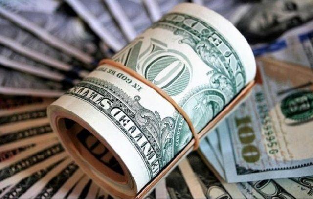 ارز دولتی منشاء توزیع ۲۰ هزارمیلیارد تومان رانت/ دولت بازنگری کند یک اقتصاددان با بیان اینکه ارز ۴۲۰۰ تومانی منشاء فساد است، گفت: دولت با تخصیص ارز دولتی برای واردات، به افراد معدودی رانت میدهد بیآنکه نرخ کالاها کاهش یابد. ادامه خبر در: http://www.paperandwood.com/Fa/NewsItem/?nID=7077