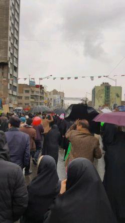 آمدیم، همه هم بودن❤️ احساس غرور میکنم /تهران، میدان انقلاب، هم اکنون، جانم باران☺️