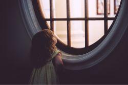  پشت هر پنجره باشم نظرم خیره به توست در نگاهم تو فقط منظرهی دلخواهی.. https://t.me/silence1993