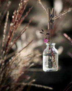 اسم ما را بگذارید آدم های با دلخوشی کوچک ما ها که با یک شاخه گل هم خوشحال میشویم کسی را دوست داریم که برایمان وقت داشته باشد ما ها که چشممان به قدم های شماست برای خیابان های خیس ما ها که با جرات کردن صدا زدن اسممان در یک جای شلوغ به شما اطمینان میکنیم اسم ما را بگذارید آدم های با دلخوشی کوچک زود رنج های خیلی خیلی خیلی شکننده... #حامد_رجب_پور