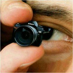 کوچکترین دوربین دنیا توسط کمپانی Nikon ساخته شده است. این دوربین، تنها 11 گرم وزن دارد و به طور کامل، قابلیت عکسبرداری و ضبط ویدیو را دارد و باتری آن تا 30 دقیقه شارژ نگه می دارد.