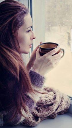 غریب ترین زمان دوست داشتن ات؛  #اسفند ماهی که نمیداند،  شروع میشود یا تمام!...