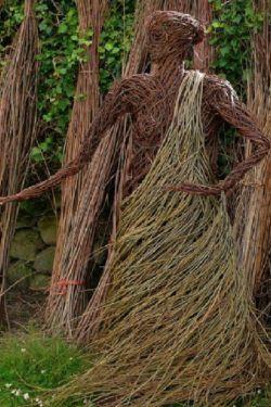 ♧بمناسبت روز درخت کاری.  دلنوشته ای زیبا بنام(زنان همان درختانند ) در کامنت مطالعه فرمائید .. روز درختکاری گرامی باد.. با طبیعت مهربان باشیم