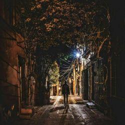 دلم غمگین تر از هر شب، دو چشمم باز بی خواب است... ببار ای آسمان امشب، که قلبم باز بی تاب است... نه روز آرامشی در دل، نه شب در چشمِ من خواب است...