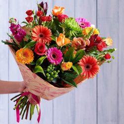 فرقی نمیکنه دوست مجازی باشی  یا دوستی در دنیایی واقعی همین که بامعرفت باشی ،کافیه   این گلها تقدیم به همه ی  با معرفتـــا.... عید تون مبارک ...تگ آزاد