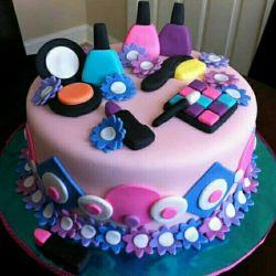 سلام ونوس خانوم تولدت مبارک ایشالله سالهای خوب و تولدهای شادتری پیش رو داشته باشین⚘@mahta5570
