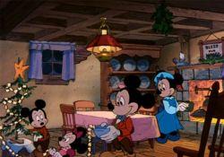 انیمیشن کریسمس جادویی میکی : برف در خانه ماوس  www.filimo.com/m/OQjTU