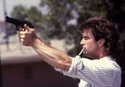 فیلم سینمایی اسلحه مرگبار 1  www.filimo.com/m/3hXGg