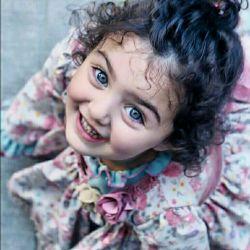 هر روز ما تصویری از خود  در این دنیا میسازیم! و چه خوب است تصاویرِ ما  زیبا در ذهنِ دنیا ماندگار شود پس بخند و بخندان از اعماقِ دلت بخند حتی با چشمهایَت بخند تا دنیا شیفته تو شود...  @aramkadeh