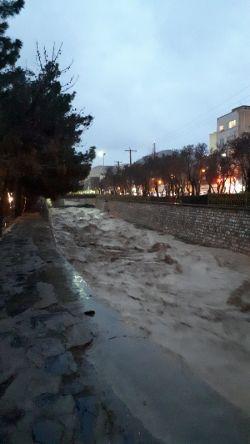 رودخانه خشکه اراک هم در ایام عید آب سیلابی اراک را دفع کرد
