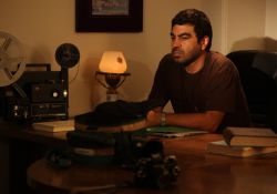 فیلم سینمایی عاشق ها ایستاده می میرند  www.filimo.com/m/XUQfF