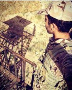 تنهایی مهربانم کرده است شبیه سربازی که از برجک دیده بانی برای تک تیرانداز آن سوی مرز دست تکان می دهد...    حامد ابراهیم پور