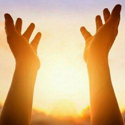 تا خدا هست تو را چارهٔ درمانی هست تا خداهست تو را راه به پایانی هست تا خدا هست دگر درد غم عشق نگو تا خدا هست فرار از در زندانی هست تا خدا هست خدا در نفست می پیچد تا خدا هست در این نیم تنه جانی هست