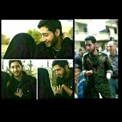 رزمنده ی حزب الله است که در سوریه دو دستش رو از دست داده و جانباز شده... محمد انگشتی نداره که حلقه به دست کنه...  ❣مبارکت باشه عروس خانم درود به راه زینبی ات...  #محمد_علوش @shohada_razmandeim