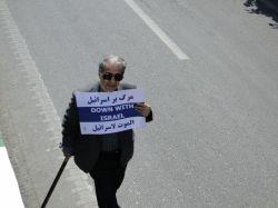 غیرت ایرانی اینه دیگه سن سال نمی شناسه میادتومیدون فقط به خاطررهبرش