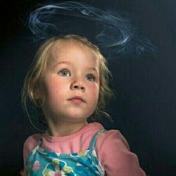 کودک شما از سیگار چه میداند؟  #کودکان_در_معرض_سیگار  موضوع: #سیگار_و_دخانیات ... #همسنگر ما شوید سروش:   sapp.ir/sangarnarm لنزور:      lenzor.com/sangarnarm