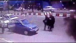 حمله به بانوی مومنه آمر به معروف توسط گروهی از زنان که مقابل ساختمان شهرداری خمام بدون حجاب در حال رقاصی بودند #نظرات