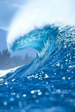 آرامش دریا مرا یاد ارامش چشمانت می اندازند ای اهورایی ترین نیروی وجود