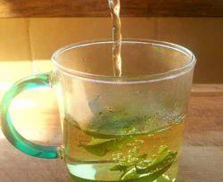 یکی از بهترین نوشیدنی ها برای کاهش آسیب های آلودگی هوا سرکه انگبین است، با خوردن یک لیوان از این شربت در شب ها خودتان را در برابر مشکلات آلودگی هوا بیمه کنید.
