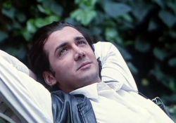 فیلم سینمایی شمعی در باد  www.filimo.com/m/QNL2e