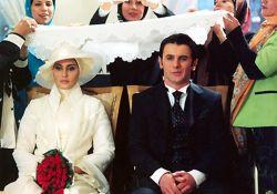 فیلم سینمایی عروس فراری  www.filimo.com/m/vs1L4