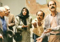 فیلم سینمایی زیر بامهای شهر  www.filimo.com/m/YD1sX