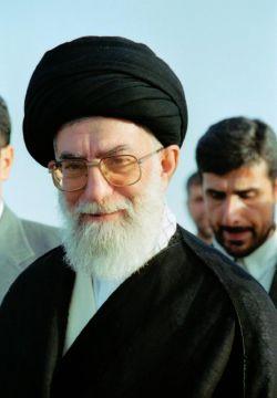 ♥♥حضرت آقا♥♥-گلزار شهدای همدان-سال 83