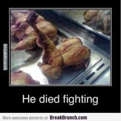 آخرین تلاش یک مرغ برای سرخ نشدن. . . .  ▲
