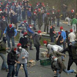 اعتصاب منجر به خشونت تخم مرغ داران!