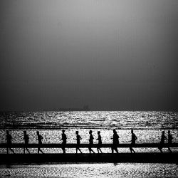بوشهر ، تمرین بازیکنان فوتبال ساحلی Bushehr , Beach soccer's players practice on beach  عکس: مهدی جعفری زاده