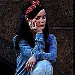 کســــــی که واقعا دوستــــــــــــت داشتـــه باشه..   تــــــــو اوجِ اختلافــــــــات   نــــــــــــه میــــــره   نــــــه میــذاره تــــــو بـــــــری...!!   شک نکن