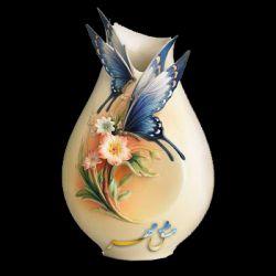 طراحی زیبا روی گلدان