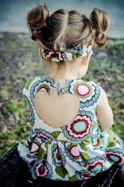 طرحی از قلب رو لباس دخمل کوچولو...