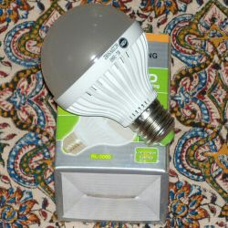نسل جدید لامپ های فوق کم مصرف...نوردهی ۵ وات معادل ۵۰ وات...قیمت ۱۹ هزار تومان...سفارش از طریق سایت یا ارتباط توسط وایبر با شماره ۰۹۱۳۱۶۶۸۳۷۰