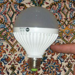 نسل جدید لامپ های فوق کم مصرف...توان مصرفی ۹ وات نوردهی معادل ۹۰ وات...قیمت ۲۷ هزار تومان...سفارش از طریق سایت یا ارتباط توسط وایبر به شماره ۰۹۱۳۱۶۶۸۳۷۰