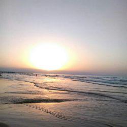 این عکس رو خودم لب ساحل انزلی بودم انداختم