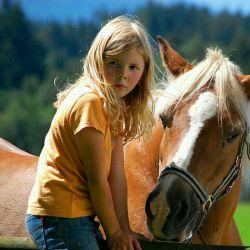 خیلی اسب دوس دارم