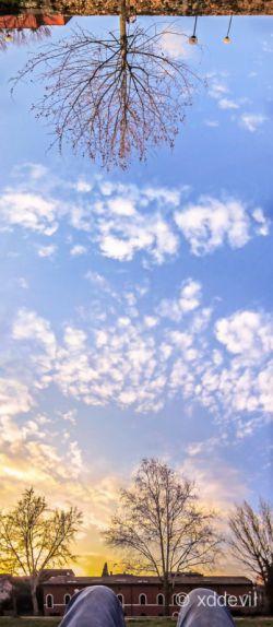 در مورد عکاسی پانوراما در موبایلوگراف بخوانید: http://tfpf.ir/mobilograph/2376