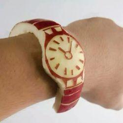 بچه ها ساعت اپلم قشنگه؟