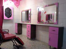 آینه و میز کار آرایشگاه ...