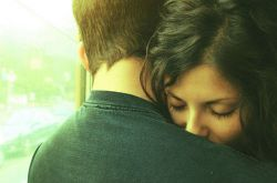 چقدر خوبه وقتی با عشقت قهر می کنی.. بر خلاف میلت میگی دیگه دوست ندارم نمی خوامت این جمله رو بشنوی :  غلط کردی چه بخوای چه نخوای مال منی !!