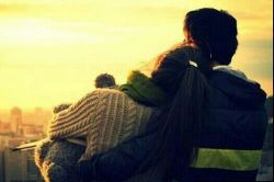 زندگی معنای پیچیده ای نداره.... همین که توکنارم باشی ینی زندگی.......