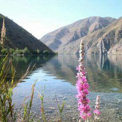 دریاچه گهر دورود  واقع در ارتفاعات اشترانکوه دورود لرستان که حدود چهار ساعت کوه پیمایی داره