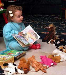 کودکانمان را تربیت کنیم تا کتابخوان شوند! در متن شما را کمک می کنیم تا کودکان کتابخوانی داشته باشید!