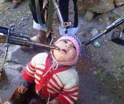 به نظر شما این کودک میخواد چی بگه؟