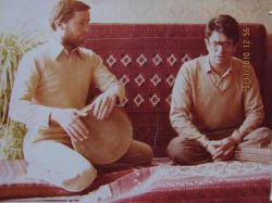 استاد شجریان در کنار استاد جمشید محبی بهنگام تمرین آلبوم بیداد