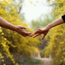 چه دستهایی که به هم نرسیدن...خسته نباشی سرنوشت...